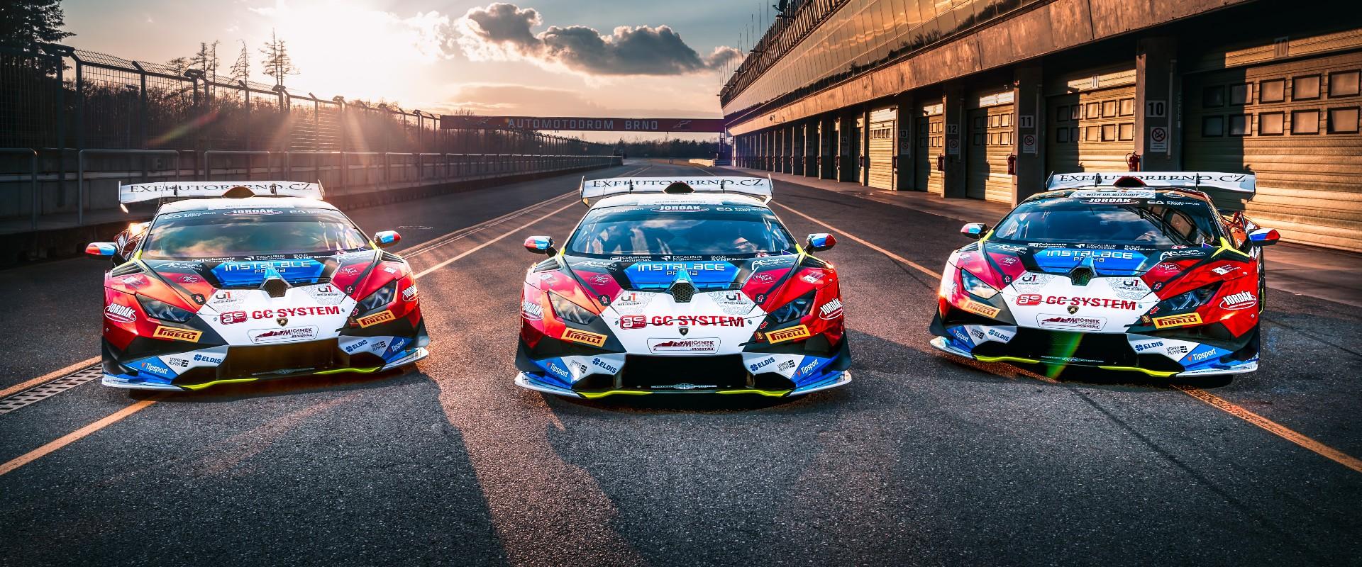 Na startu: Mičánek Motorsport powered by Buggyra posílil a chce bojovat o podia v Super Trofeo