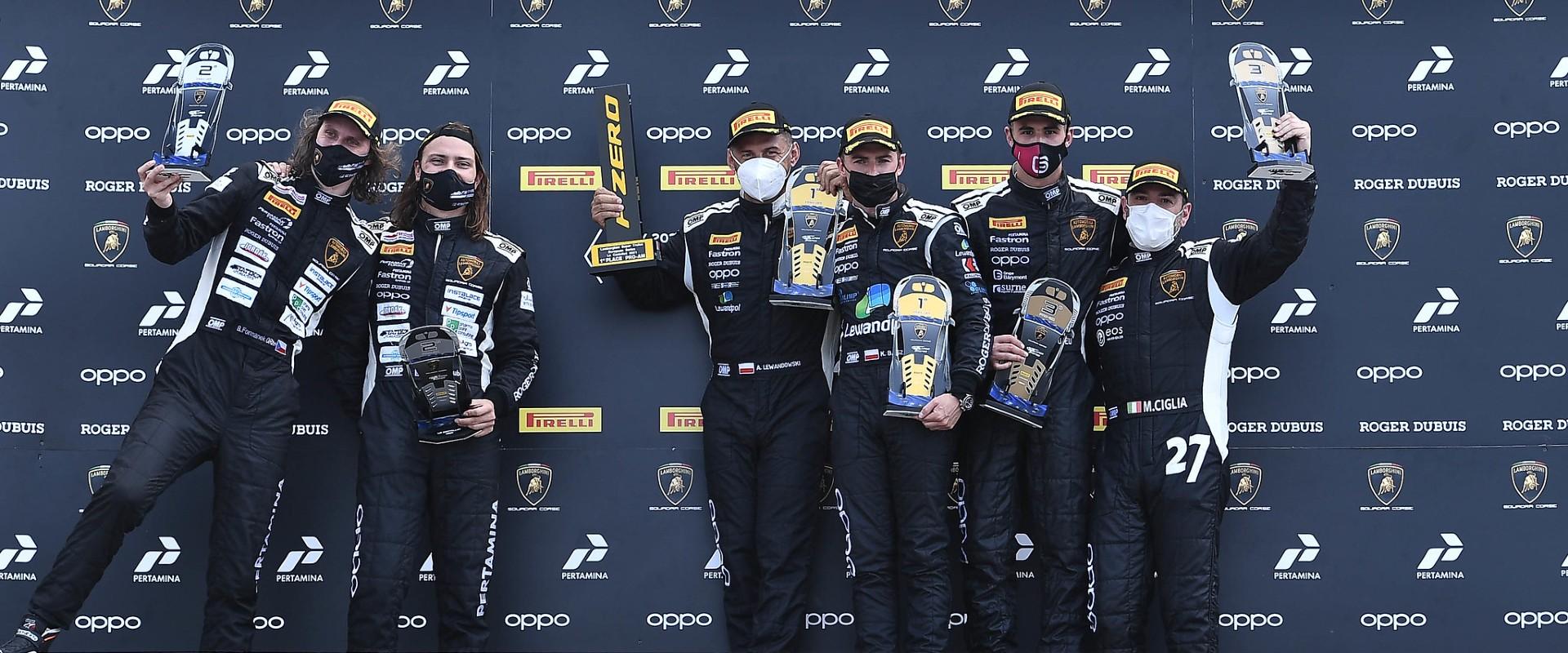 Dramatický závěr Lamborghini Super Trofeo: o vítězství bojoval Mičánek Motorsport na trati i na race direction