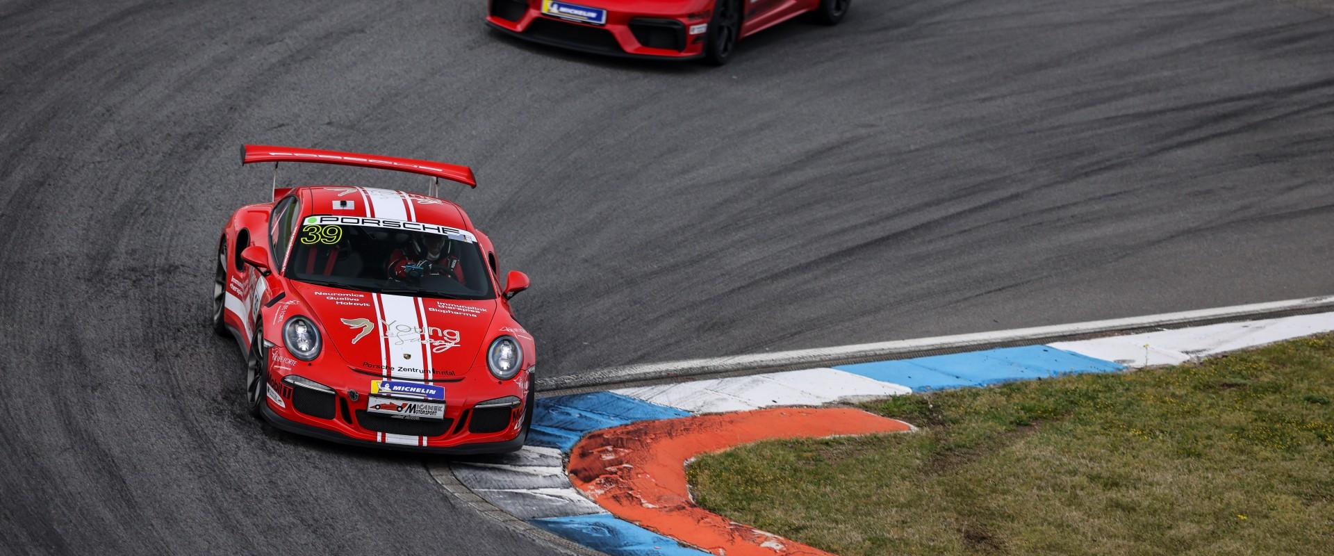 """Šmarda se na Nürburgringu postaví nabité konkurenci i nejnovější """"zbrani"""" od Porsche"""